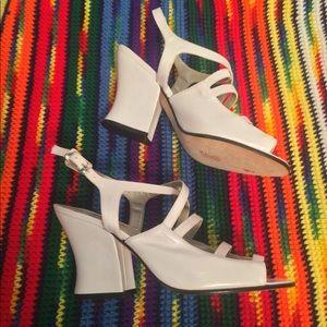 90s VTG White Chunky heels Pearl White